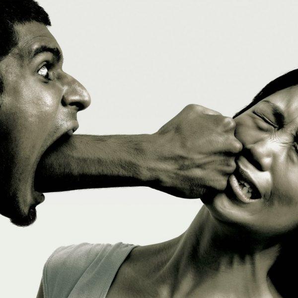 خشونت کلامی بین زنان و مردان در شبکه های اجتماعی